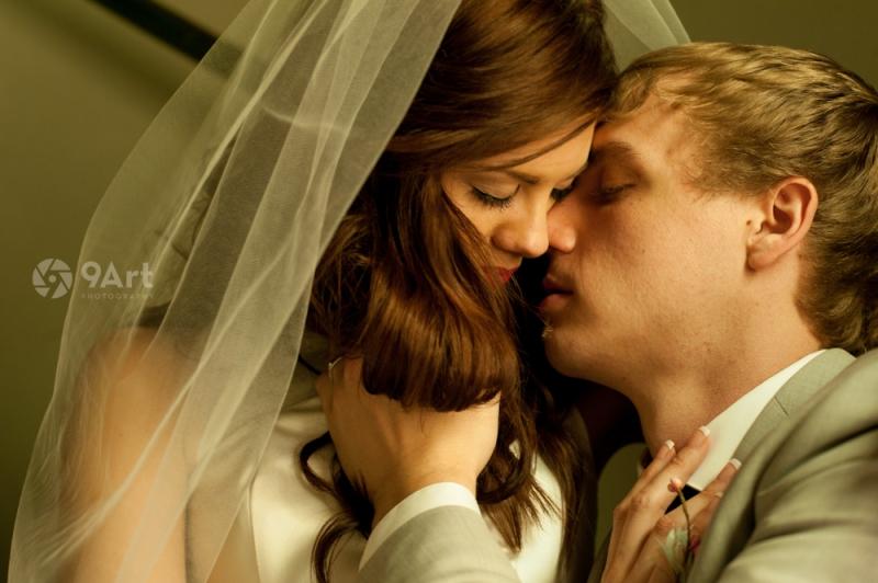 9art photography joplin missouri wedding photographer :: kaitlyn & dak passionate wedding portrait