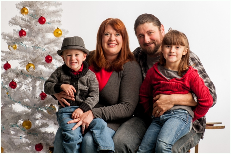 joplin mo family photographer, 9art photography- christmas family pictures in the studio_010
